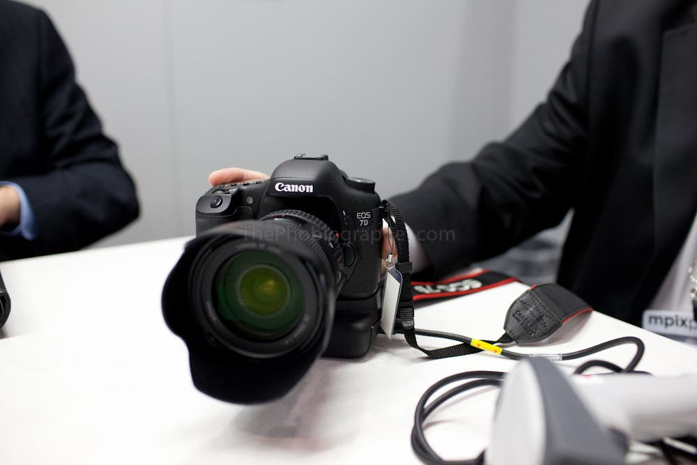 Quick Hands On With the Canon 7DSV