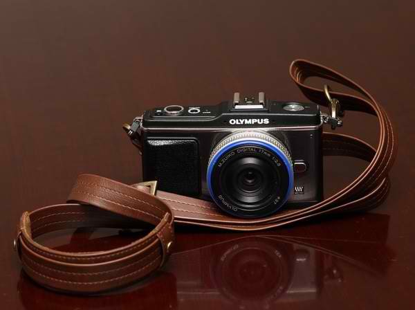 Why I Chose The Olympus EP-2 Over the Fuji X100