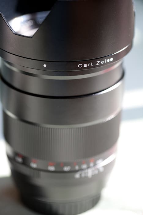 Complete Review of the Carl Zeiss Distagon T* 35mm F/1.4 ZE