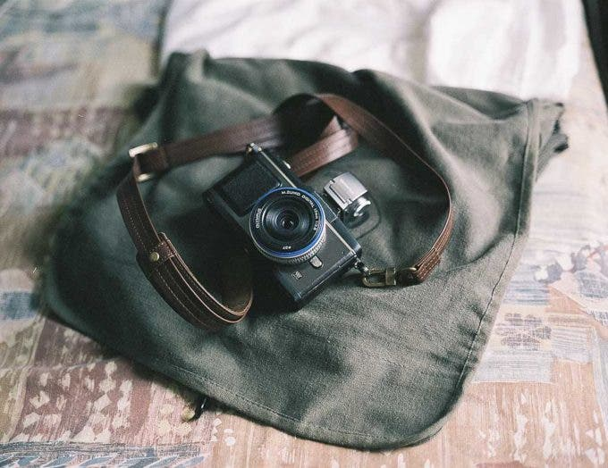 Chris Gampat the phoblographer bronica etrs daily bag (1 of 1)