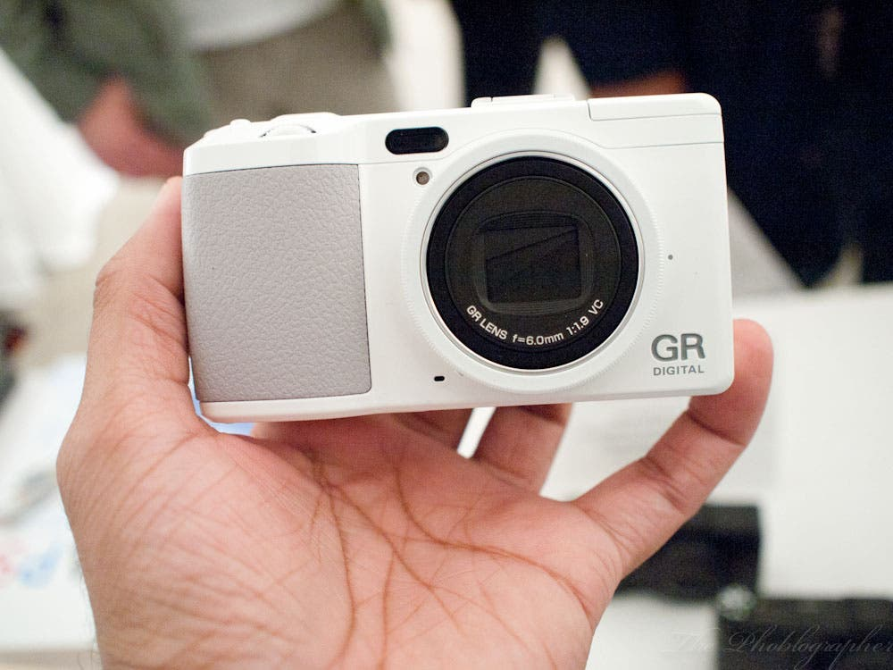 Hands On: Ricoh GR4D