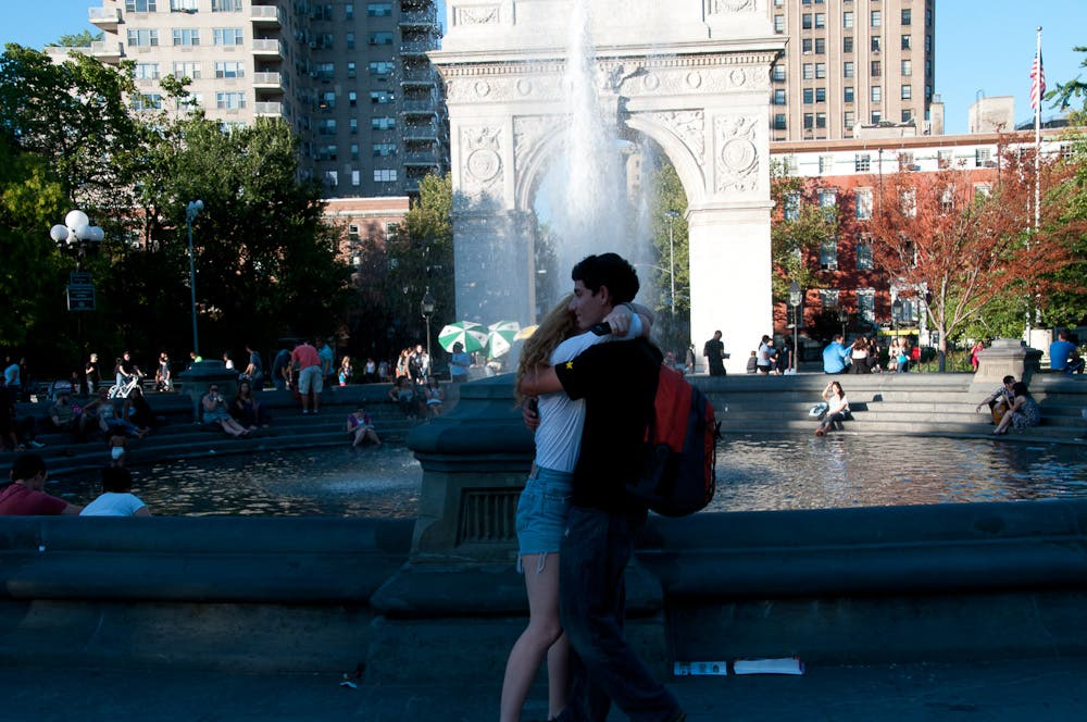 tamron18-270 at 27mm in washington square park - subtle but acceptable distortion