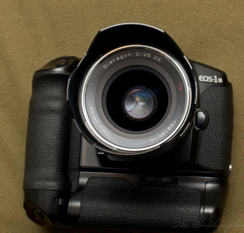 Review: Carl Zeiss 25mm f2 for Canon EF