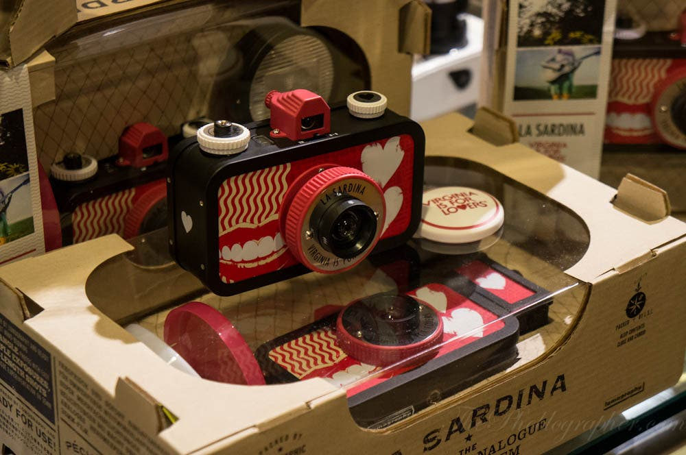 Lomography Partners With Virginia is For Lovers To Announce New La Sardina Camera: Reminds Me That I'm Single