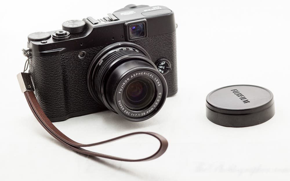 Review: Fujifilm X10