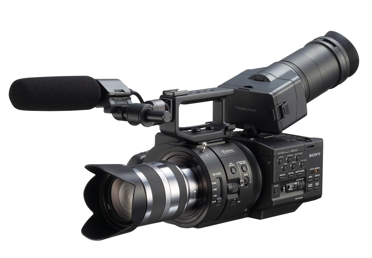Sony Announces New FS700E 4k Camcorder With E-Mount: Canon C300 Killer?