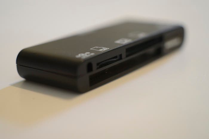 Review: M.I.C. All-in-One Card Reader For iPad