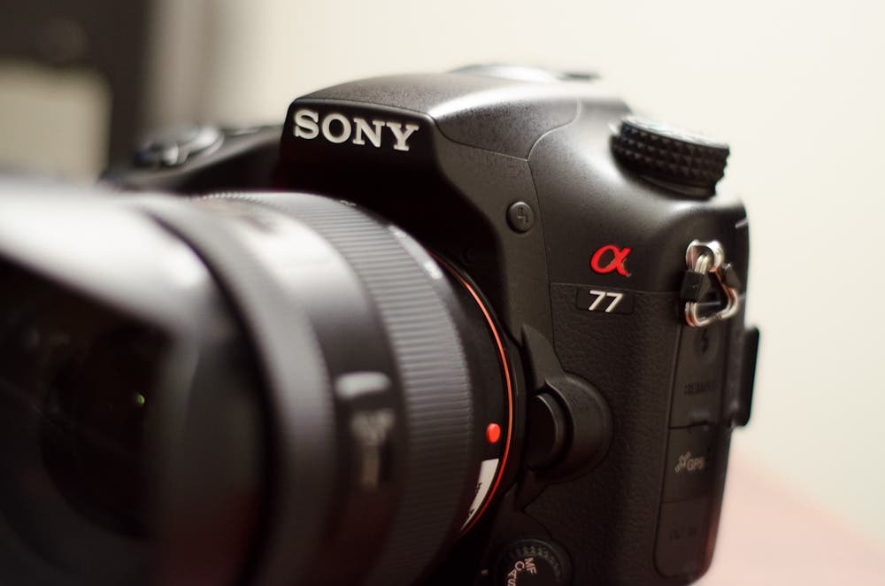 Review: Sony Alpha A77