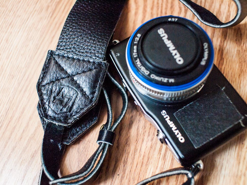 Quick Review: A7 Original Black Leather Camera Strap