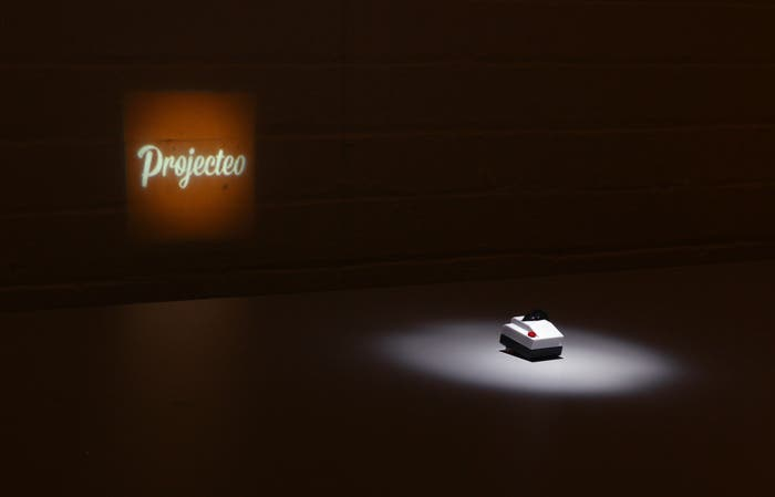 Projecteo is the Tiniest Instagram Projector Money Can Buy (Kickstart)