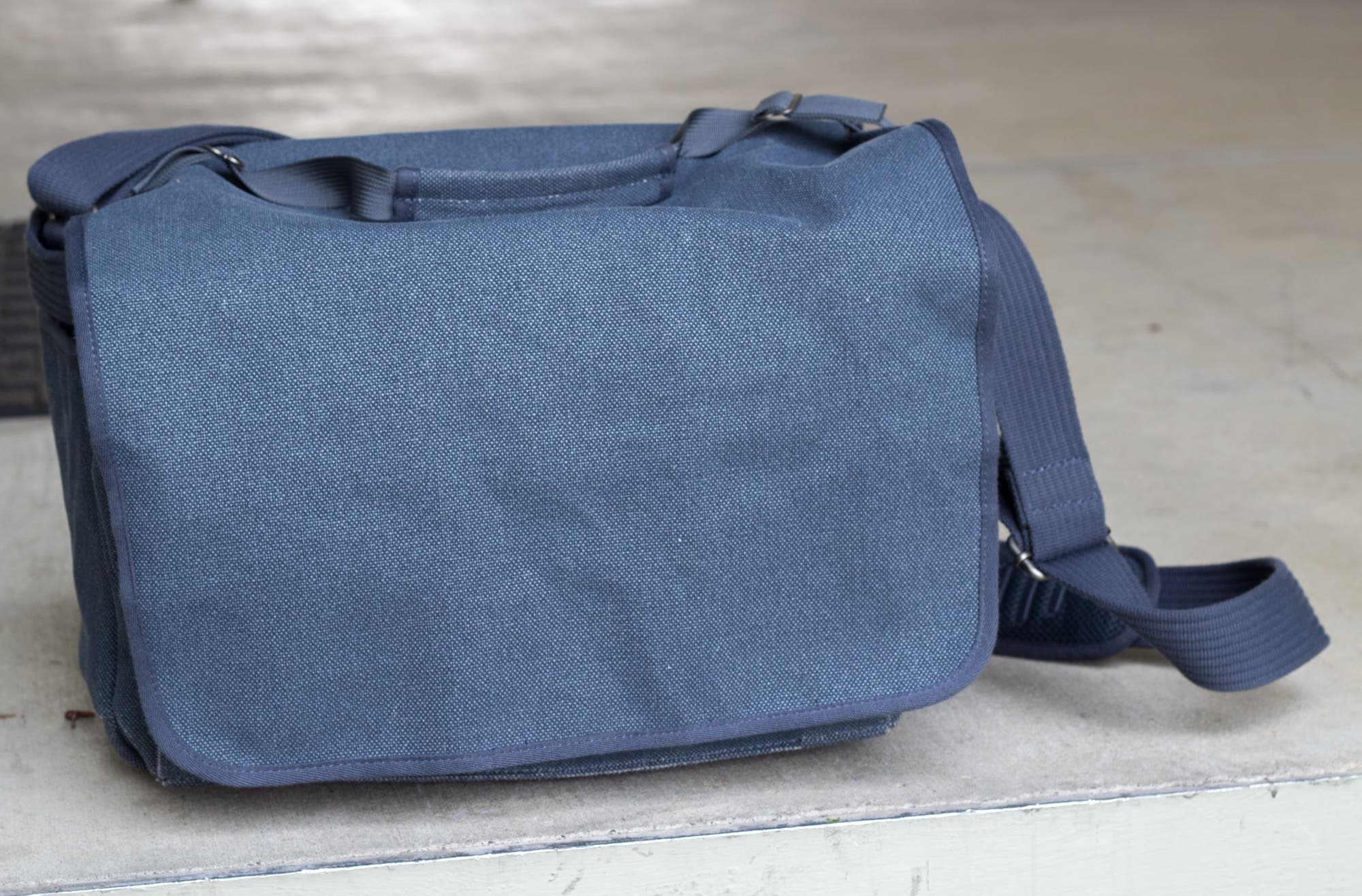Review: Think Tank Retrospective 50 Camera Bag