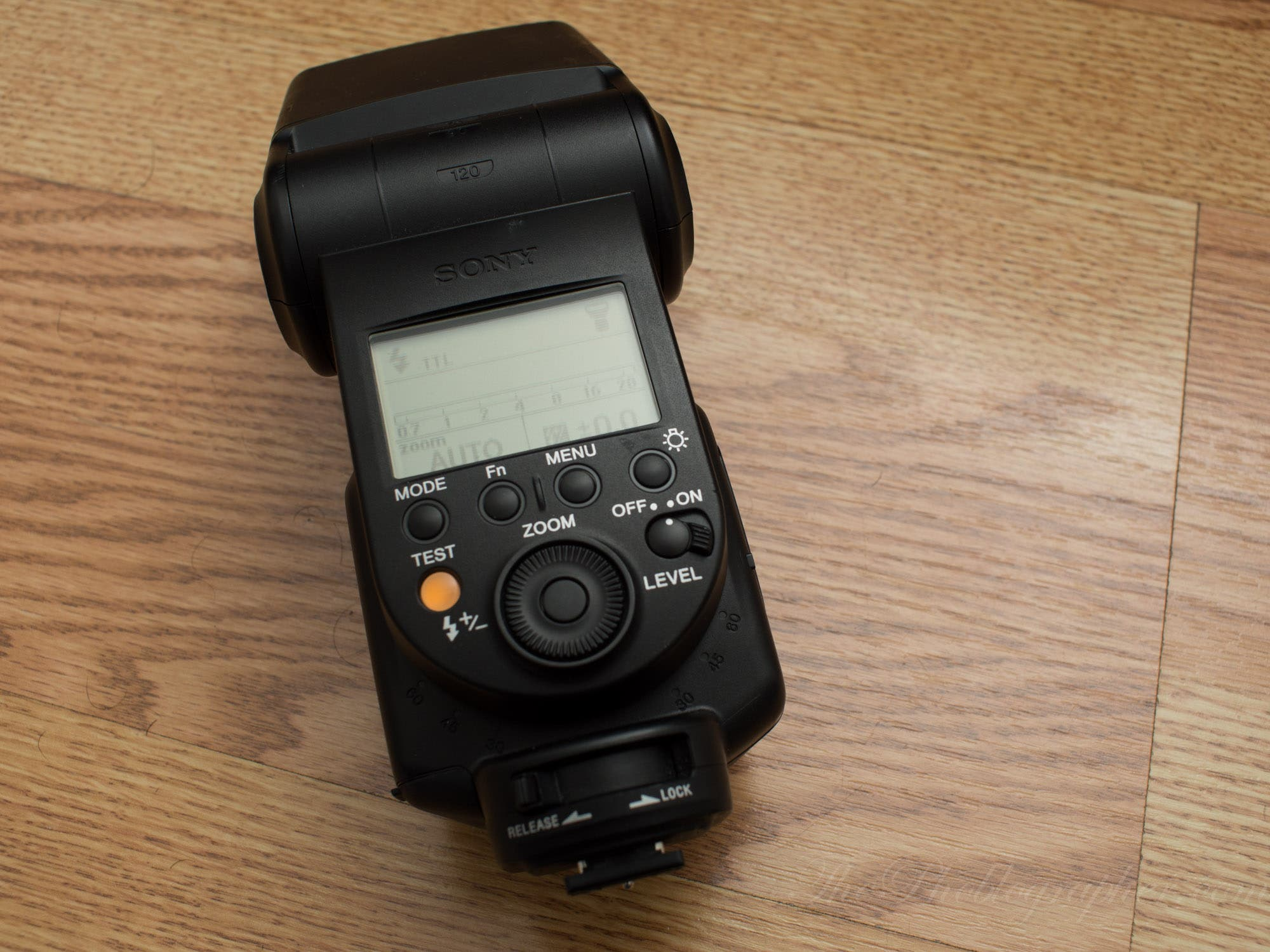 Review: Sony HVL-F60M Flash