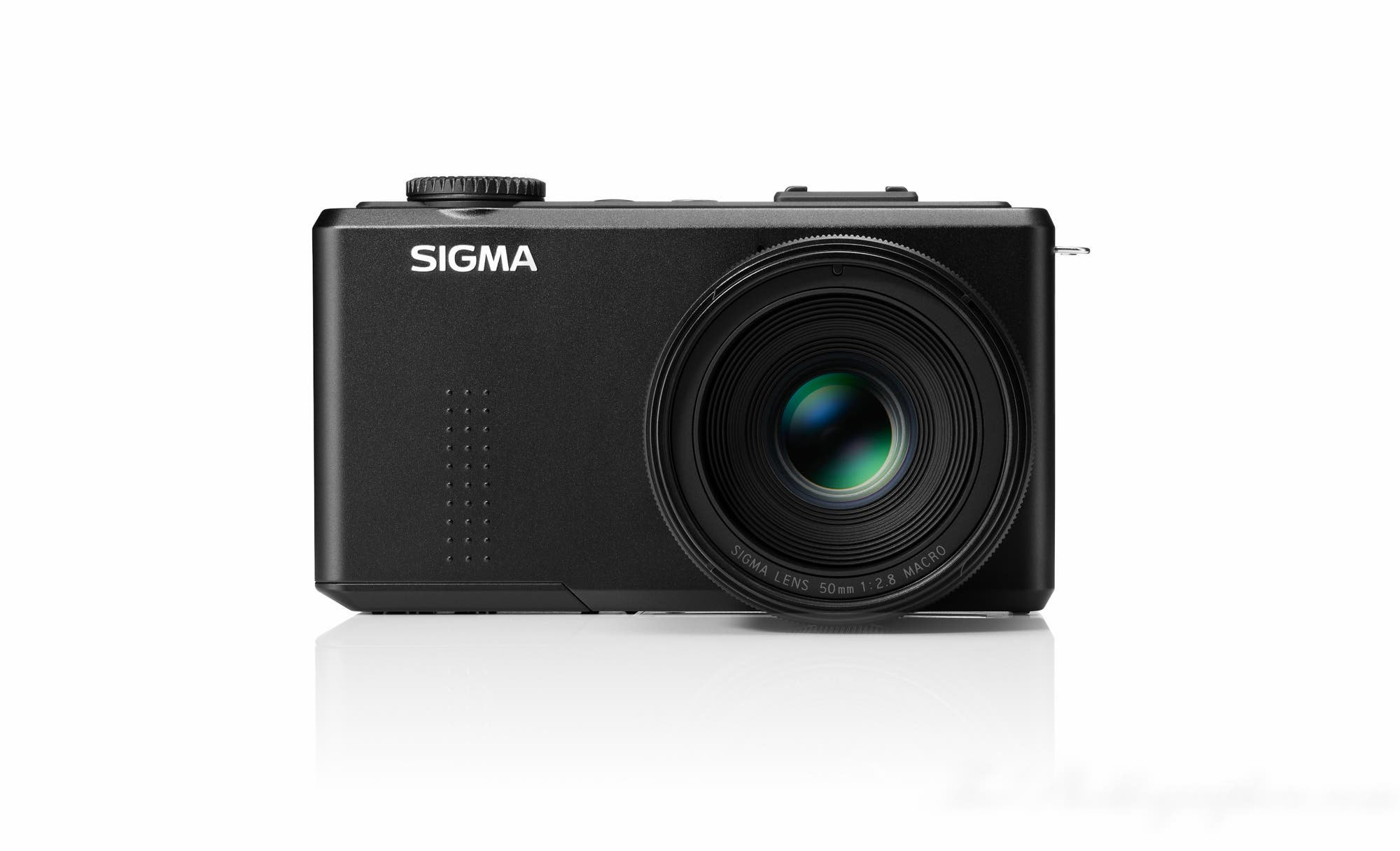 Sigma Announces New DP3 with 50mm f2.8 Lens with 75mm Equivalent Field of View