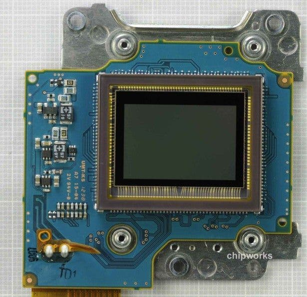 Nikon D5200 Sensor Made by Toshiba