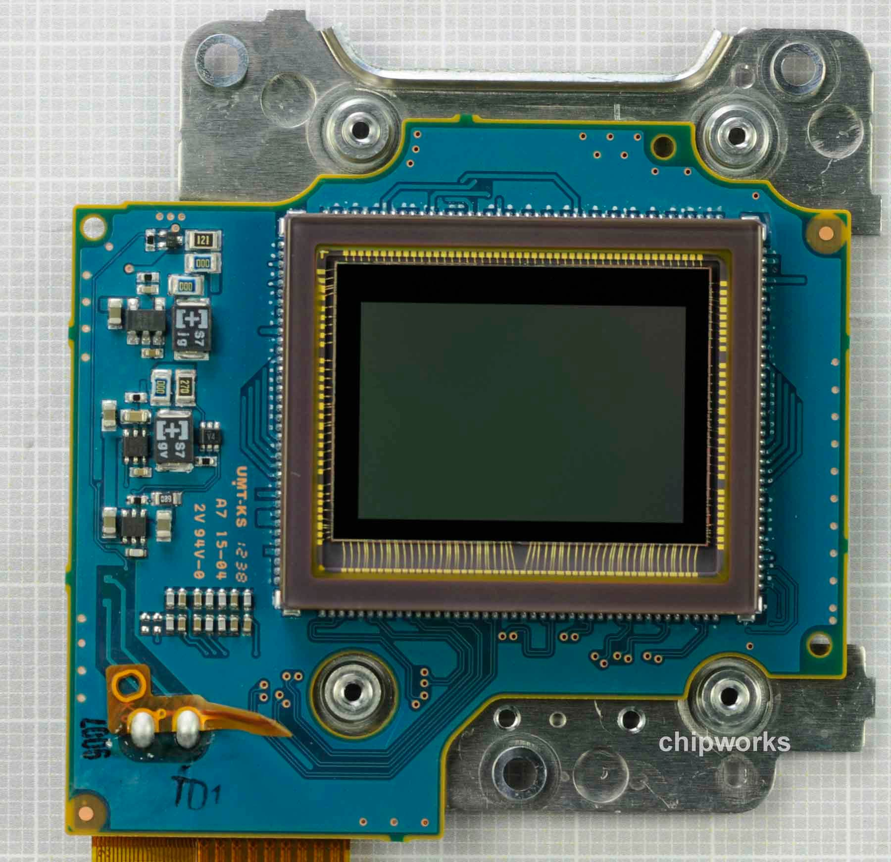 The Nikon D5200's Sensor Is Made by Toshiba, Not By Sony