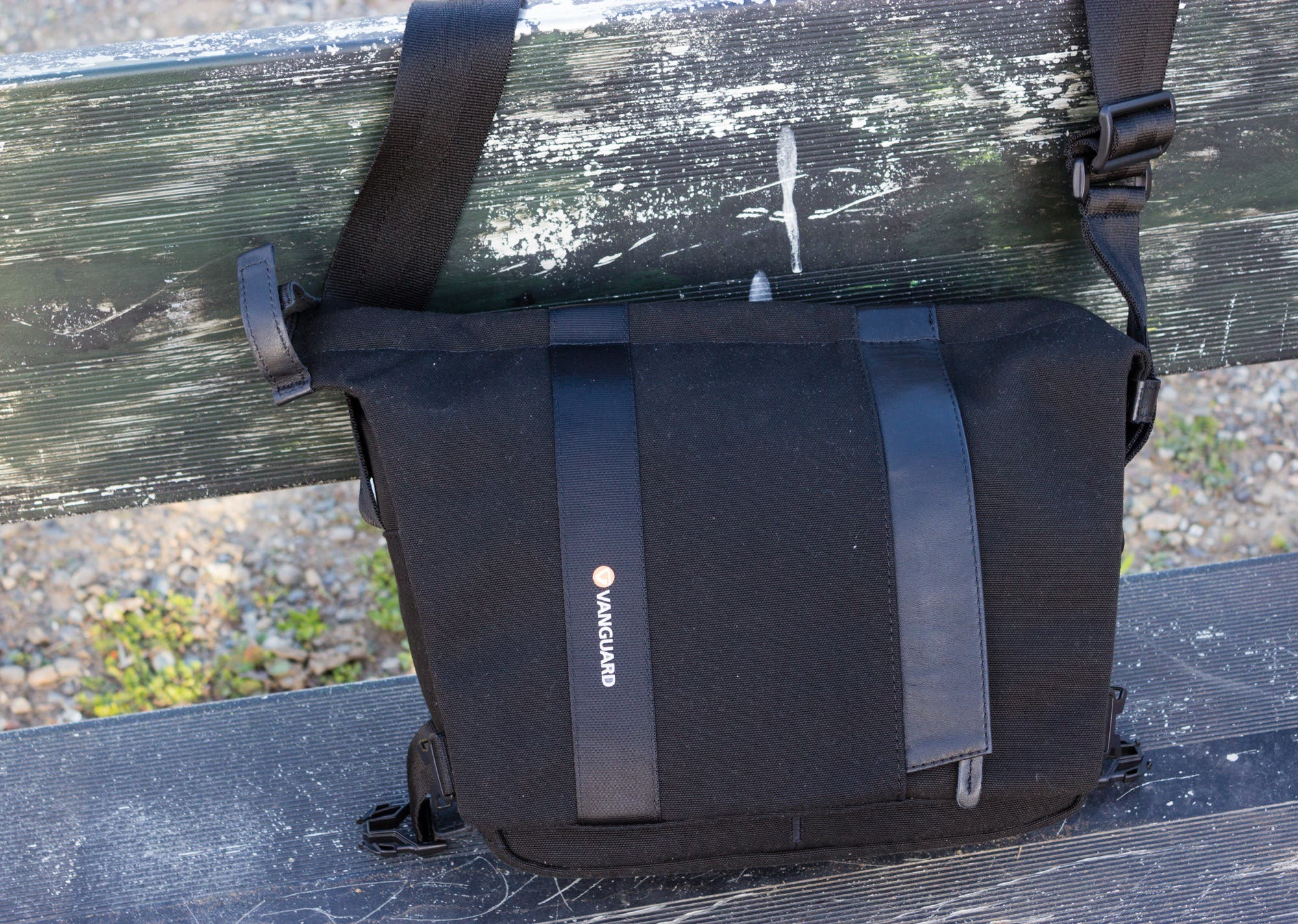 Review: Vanguard Vojo 25 Shoulder Bag