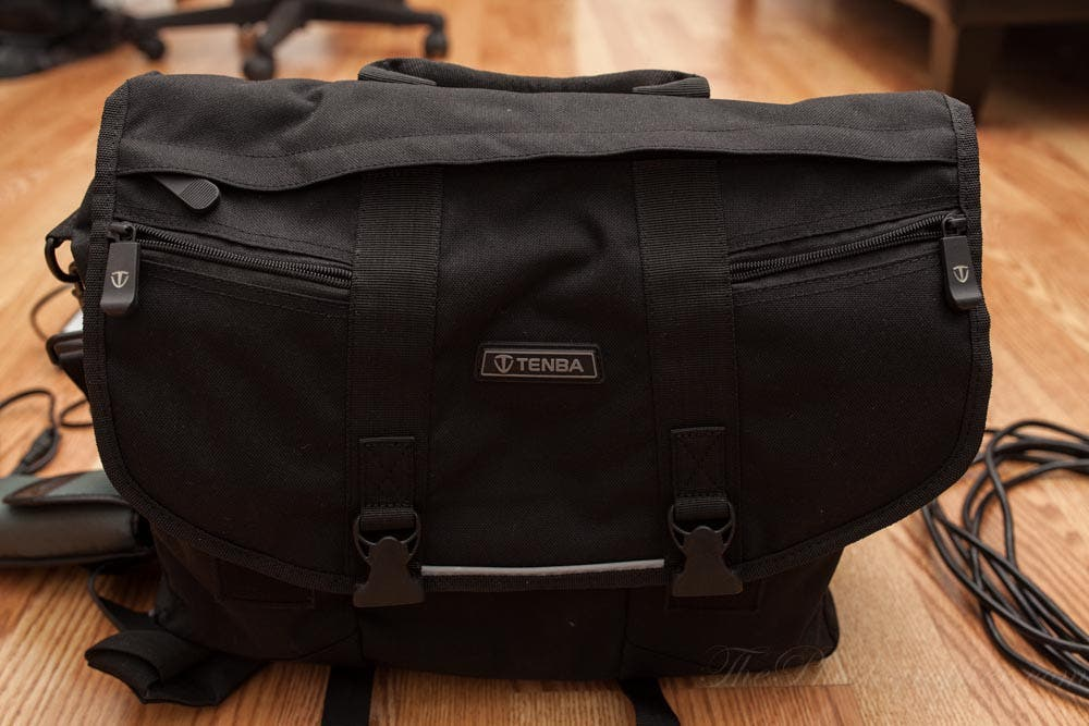 Review: Tenba Large Messenger Bag (Black) - The Phoblographer