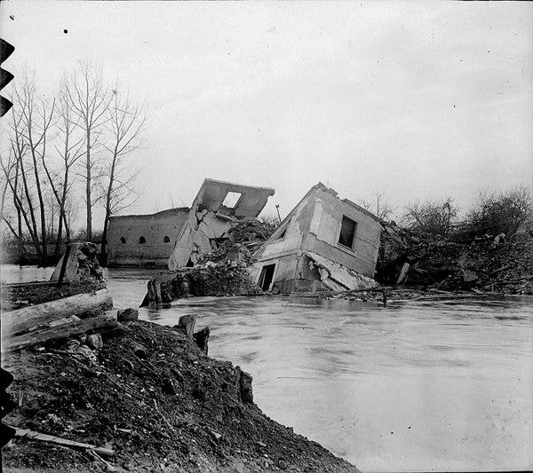 Old_negs_House_After_War_small