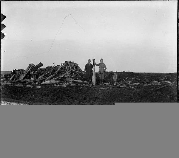 Old_negs_Huge_Bomb_small