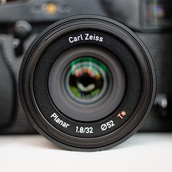 Zeiss 32mm f1.8 20130514Gservo-2509-2