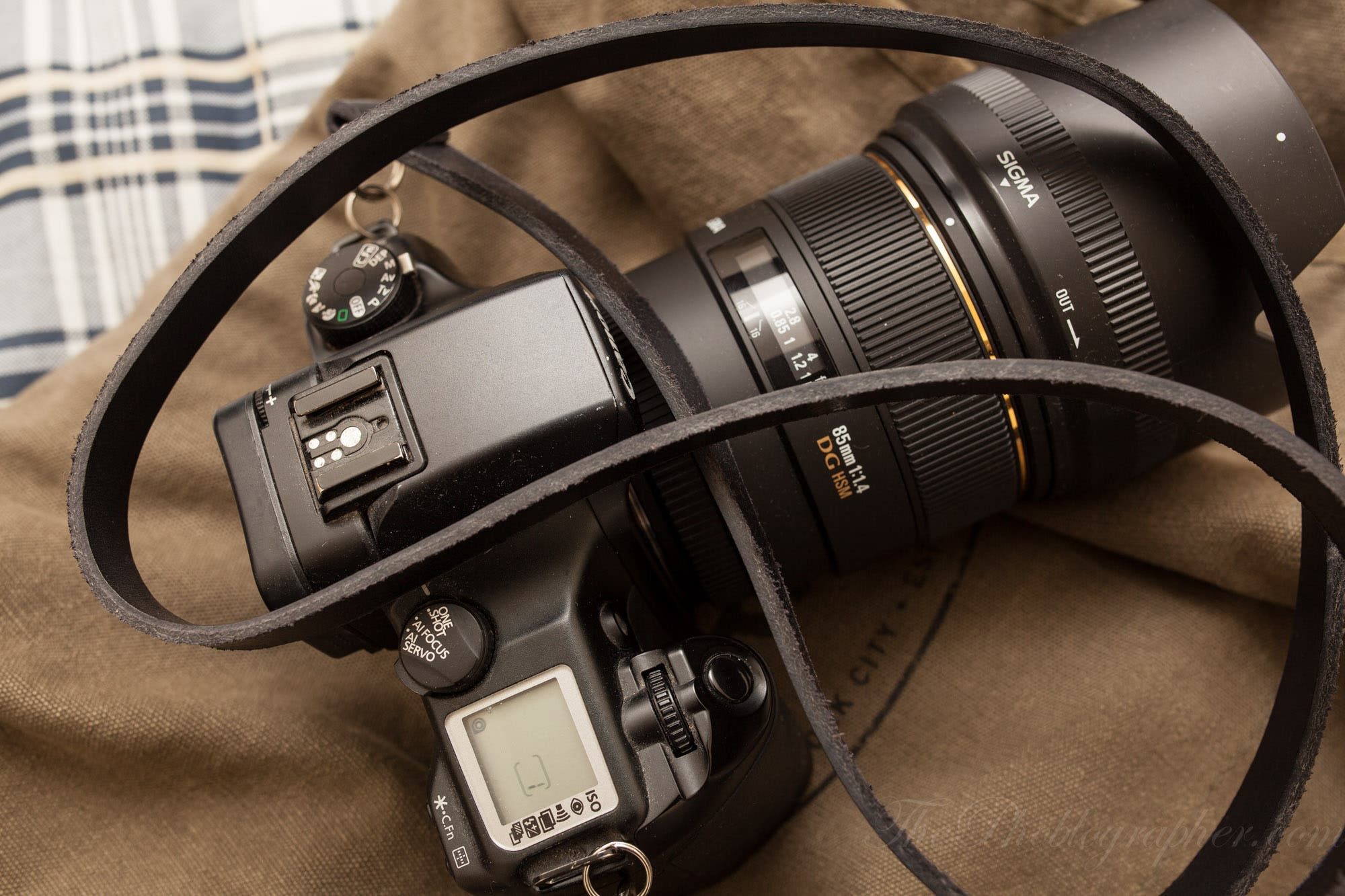 Review Figosa Mirrorless And Vintage Camera Leather Strap