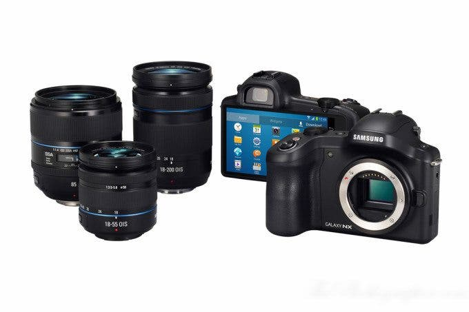 Chris Gampat The Phoblographer Samsung Galaxy NX Camera product photos (7 of 8)