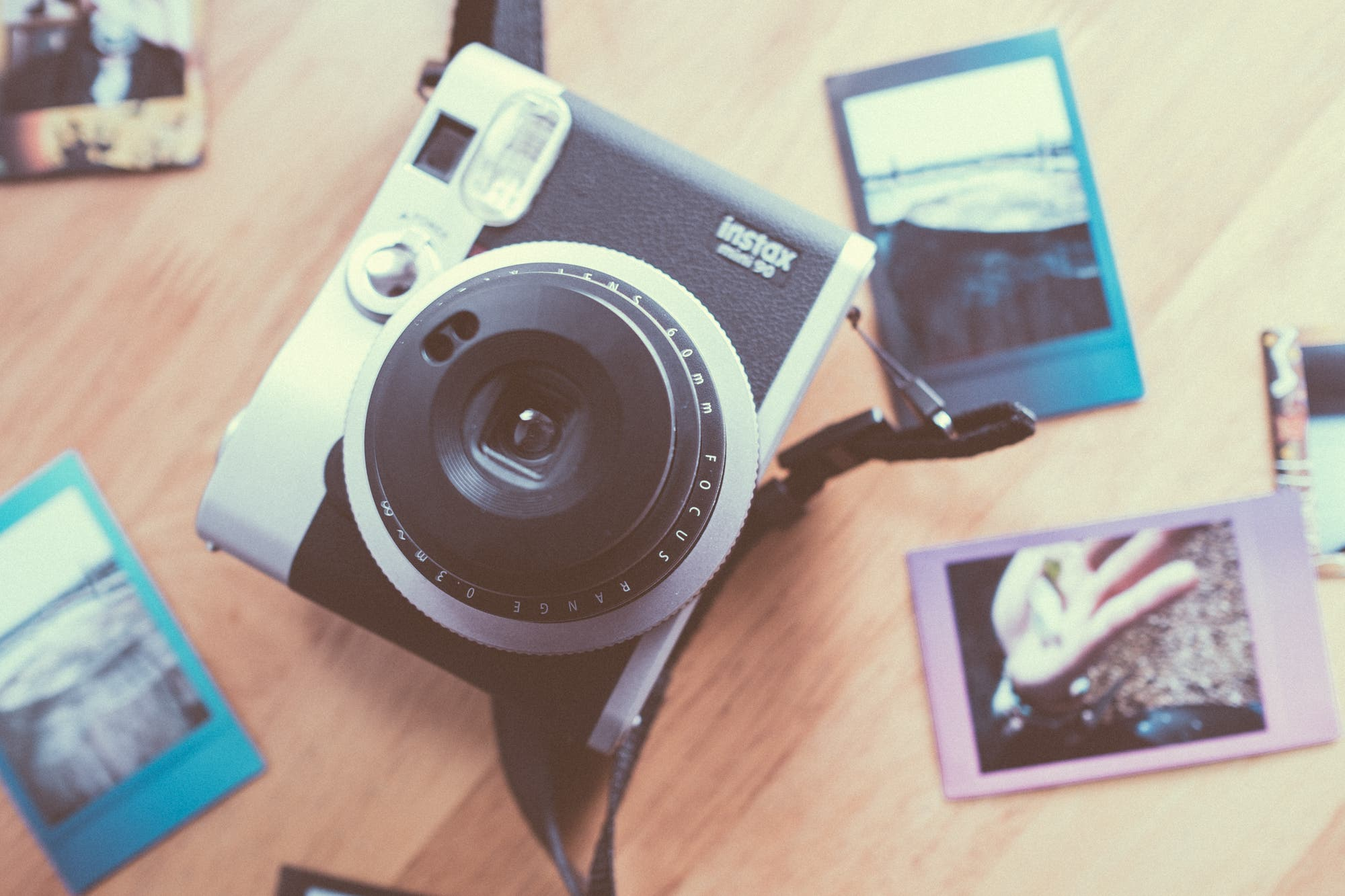 Review: Fujifilm Instax Mini 90