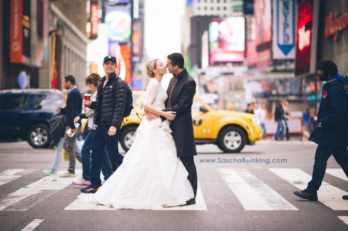zach_braff_photobomb_scrubs_new_york_elopement_times_square