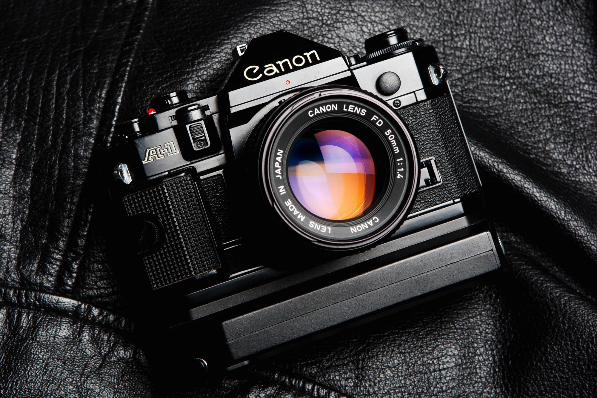 7 vintage film cameras we wish we didn 39 t say goodbye to for Camera camera