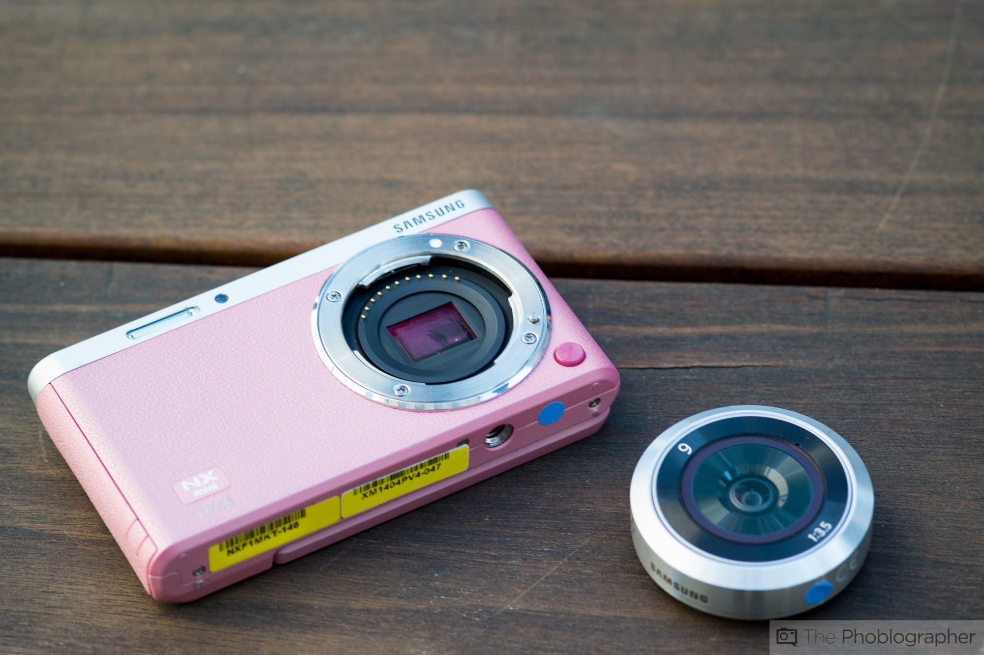 First Impressions: Samsung NX Mini