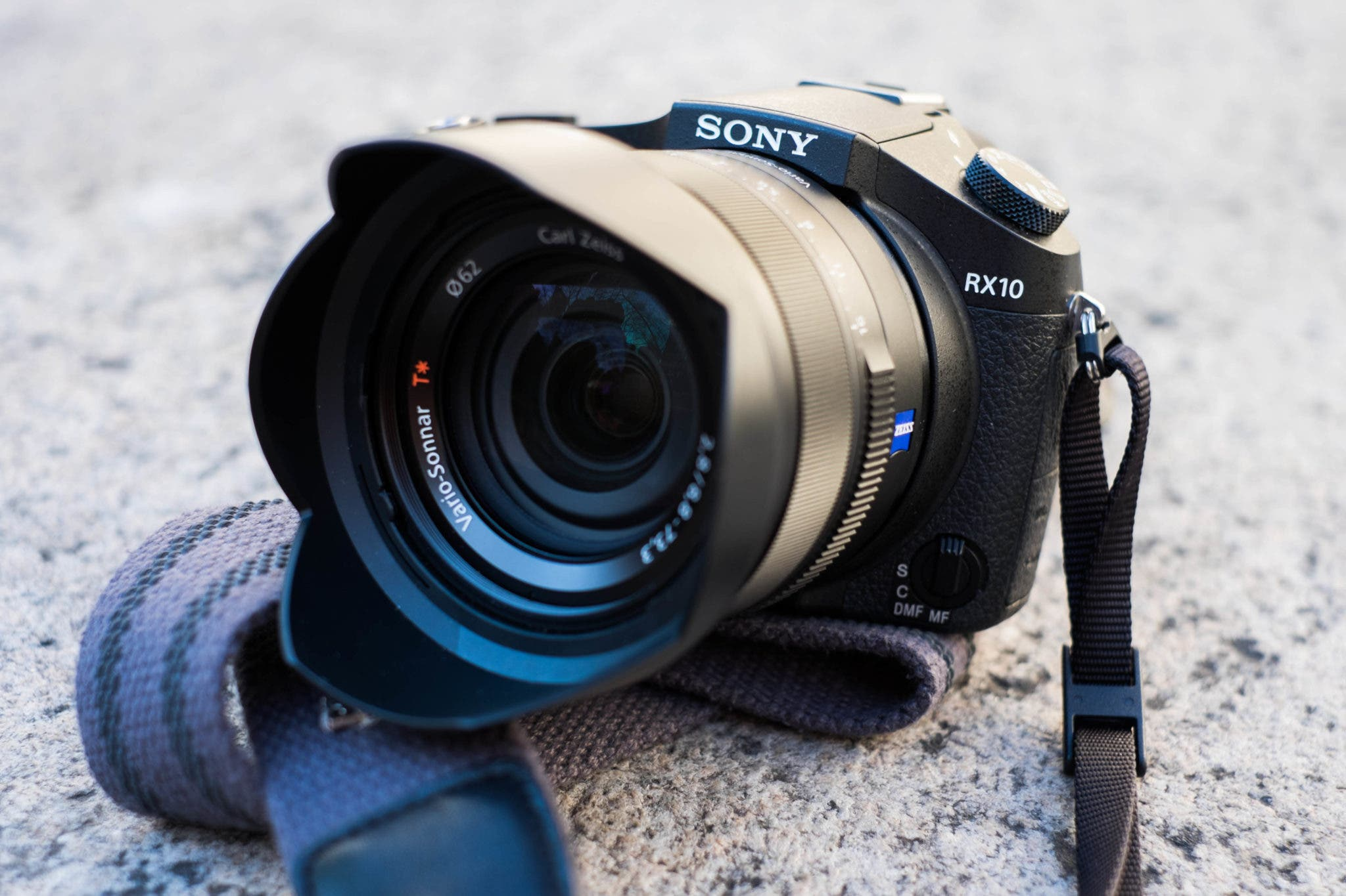Review: Sony RX10