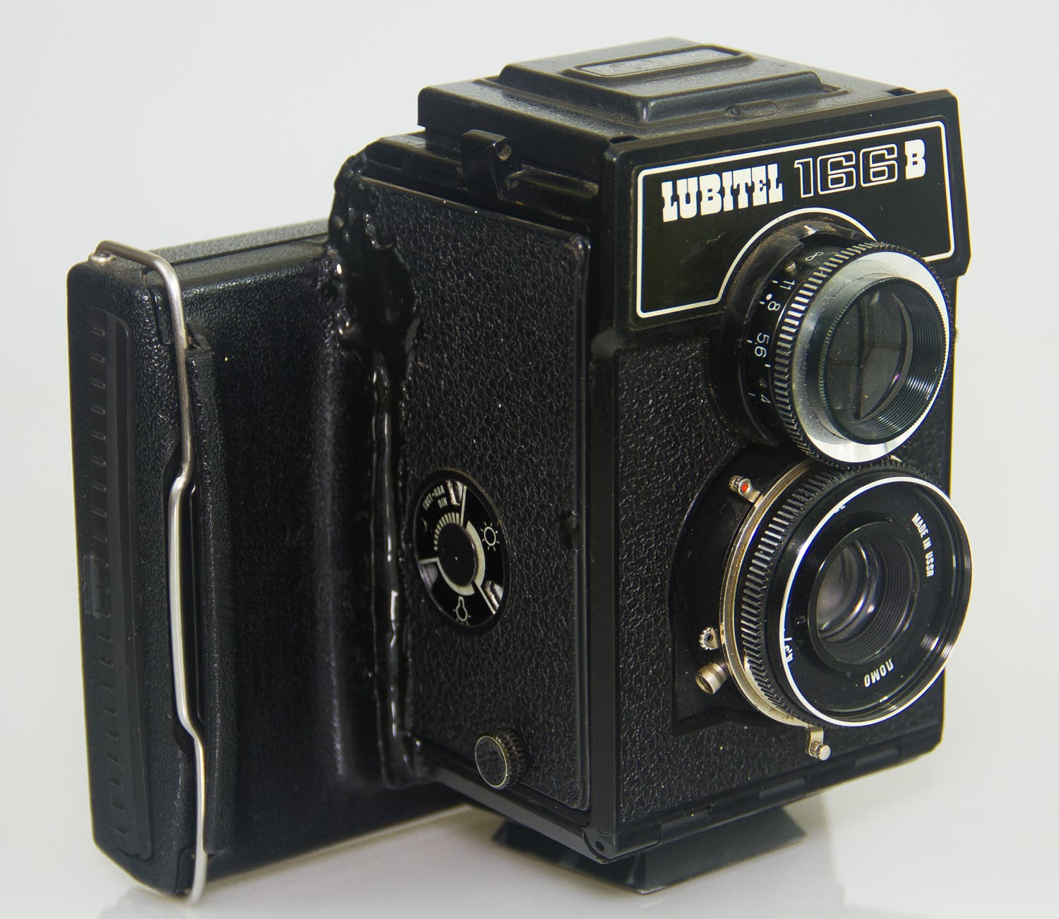 Take a Look at This Super Cool Lubitel With an Instant Back