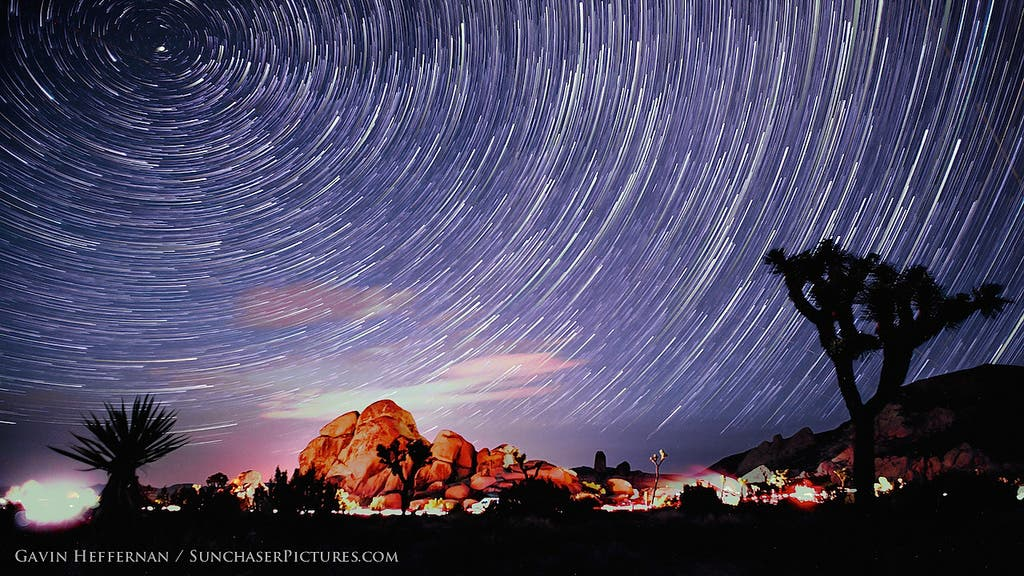 Sunchaser Pictures Captures the Camelopardalid Meteor Shower Over Joshua Tree