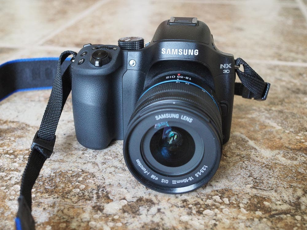 Review: Samsung NX30