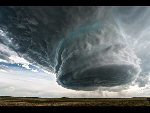 Caught on Tape: Spectacular Supercell Taking Form in Wyoming
