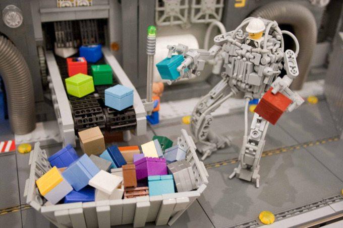 Ryan Howerter Lego Pinholo Camera-8