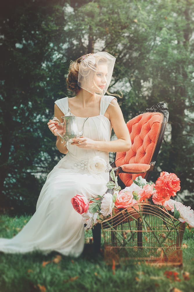 The Basics of Posing a Bride for a Wedding Shoot