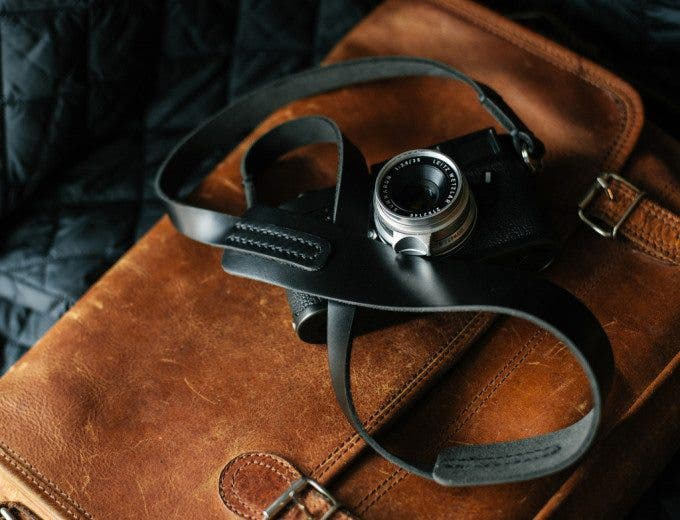 Black_Horween_leather_camera_strap_TAP_DYE1_1024x1024