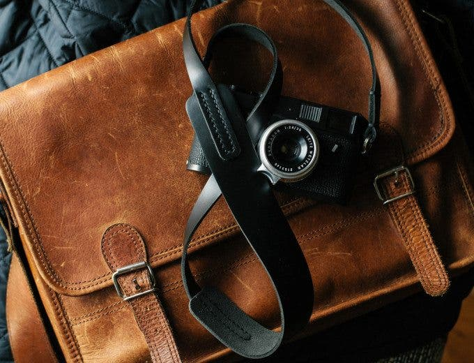 Black_Horween_leather_camera_strap_TAP_DYE4_1024x1024