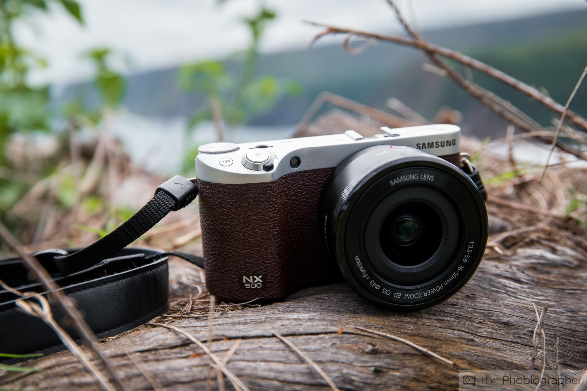 Four Years Later, Samsung's NX500 Is Still DXOMark's #2 APS-C Camera