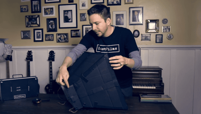 Make Your Own DIY Softbox for $7