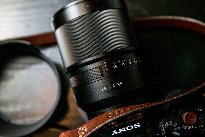 The Ten Best Mirrorless Camera Lenses for Street Photography