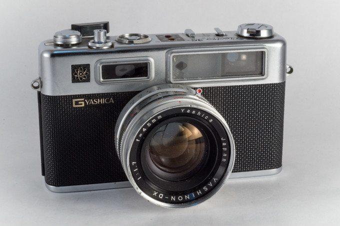 Yashica Electro 35-1966-X3