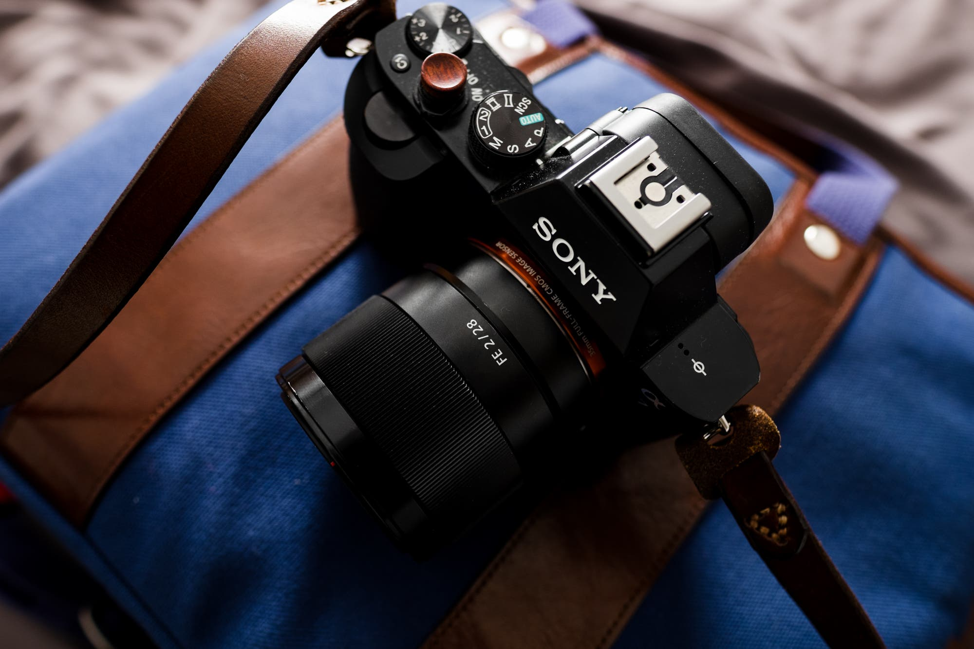 chris gampat the phoblographer sony 28mm f2 lens review product photos 5 of 7