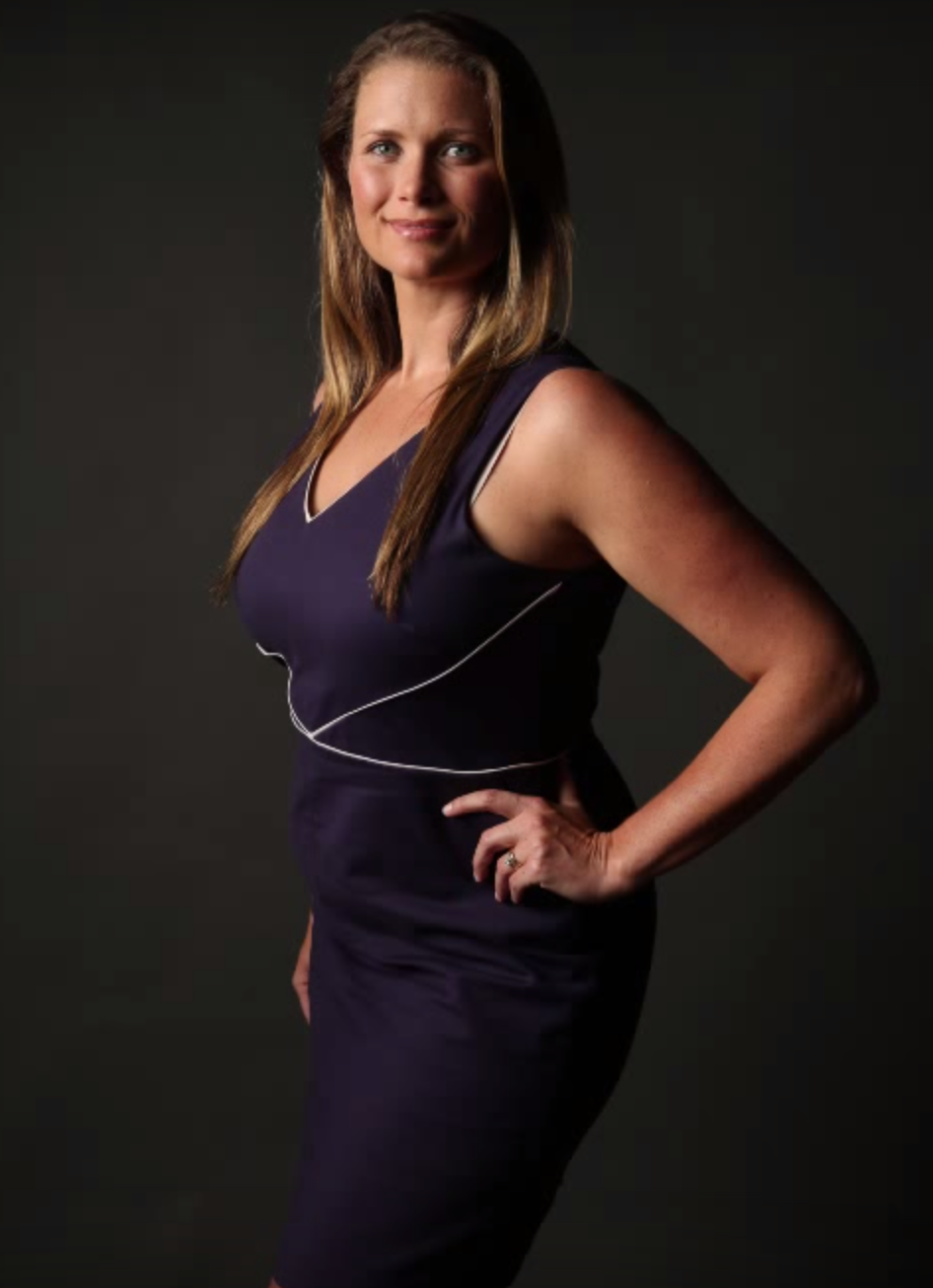 Lindsay Adler Shows You How to Pose a Full Figured Woman