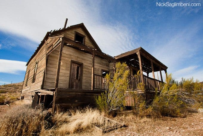 abandoned-gold-mine-dilapidated-house-nuclear-summer-nick-saglimbeni