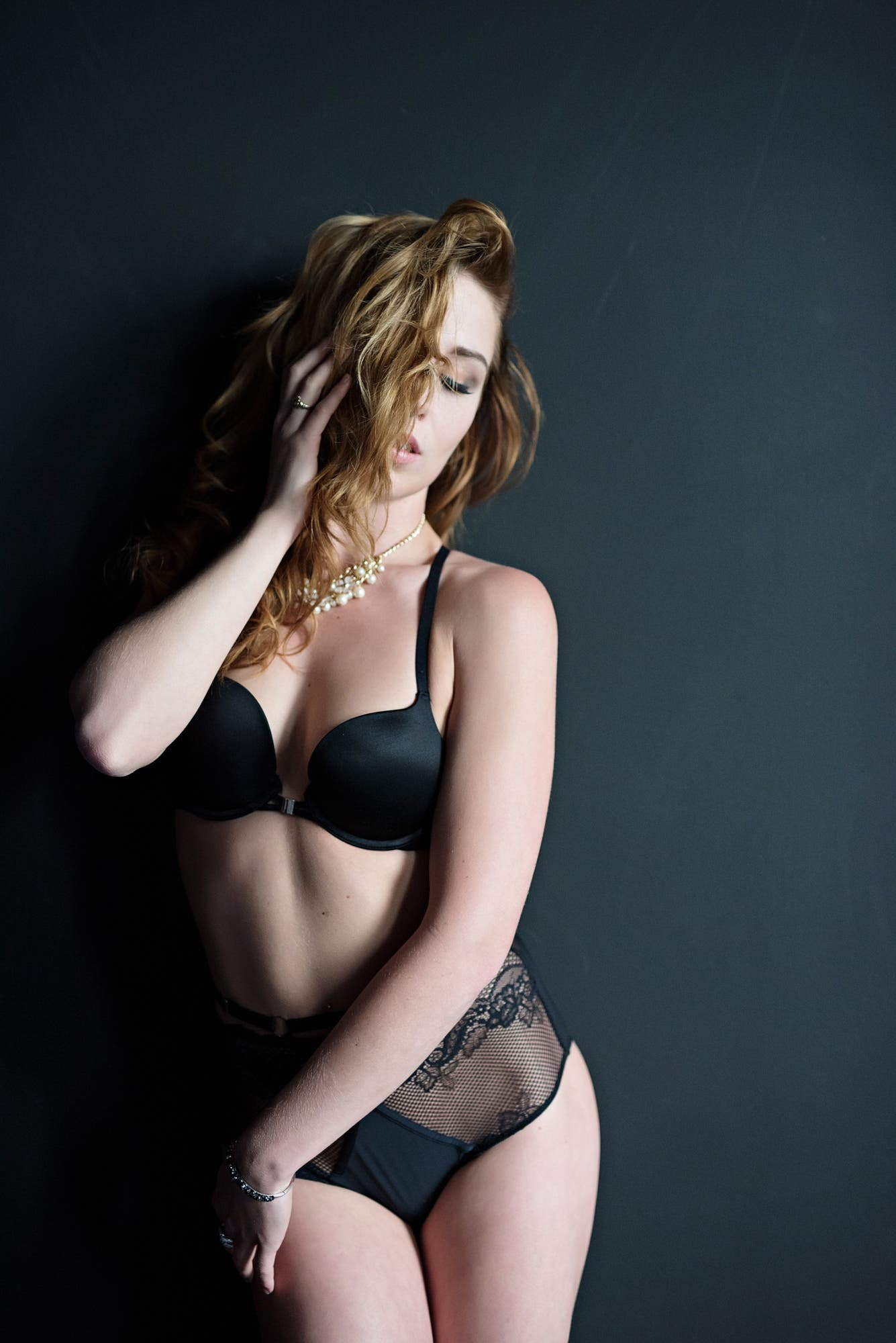 Jen Rozenbaum: How to Shoot Boudoir Photos