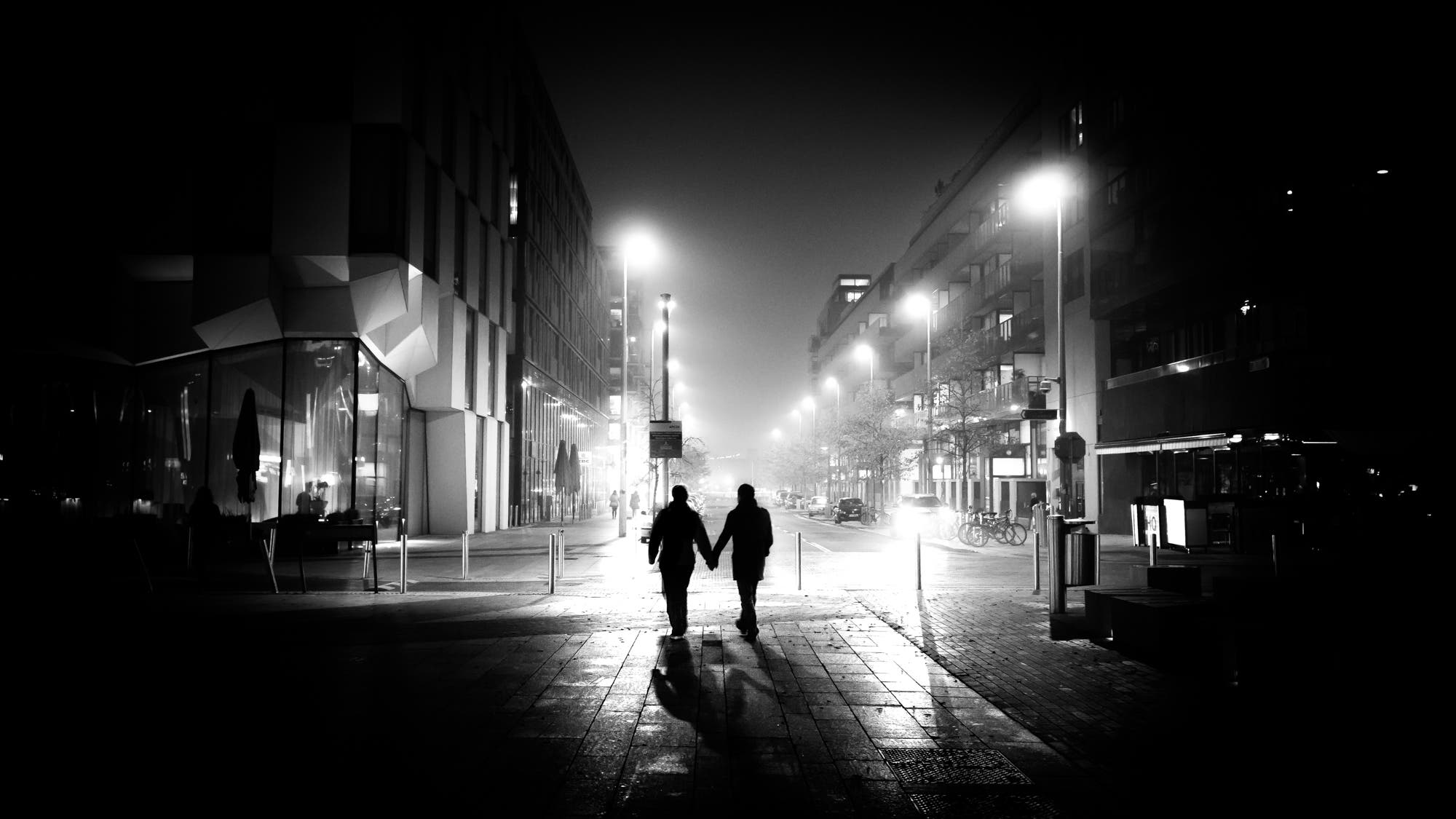 Giuseppe milo 39 s faceless combines street photography and for Pictures of black lovers