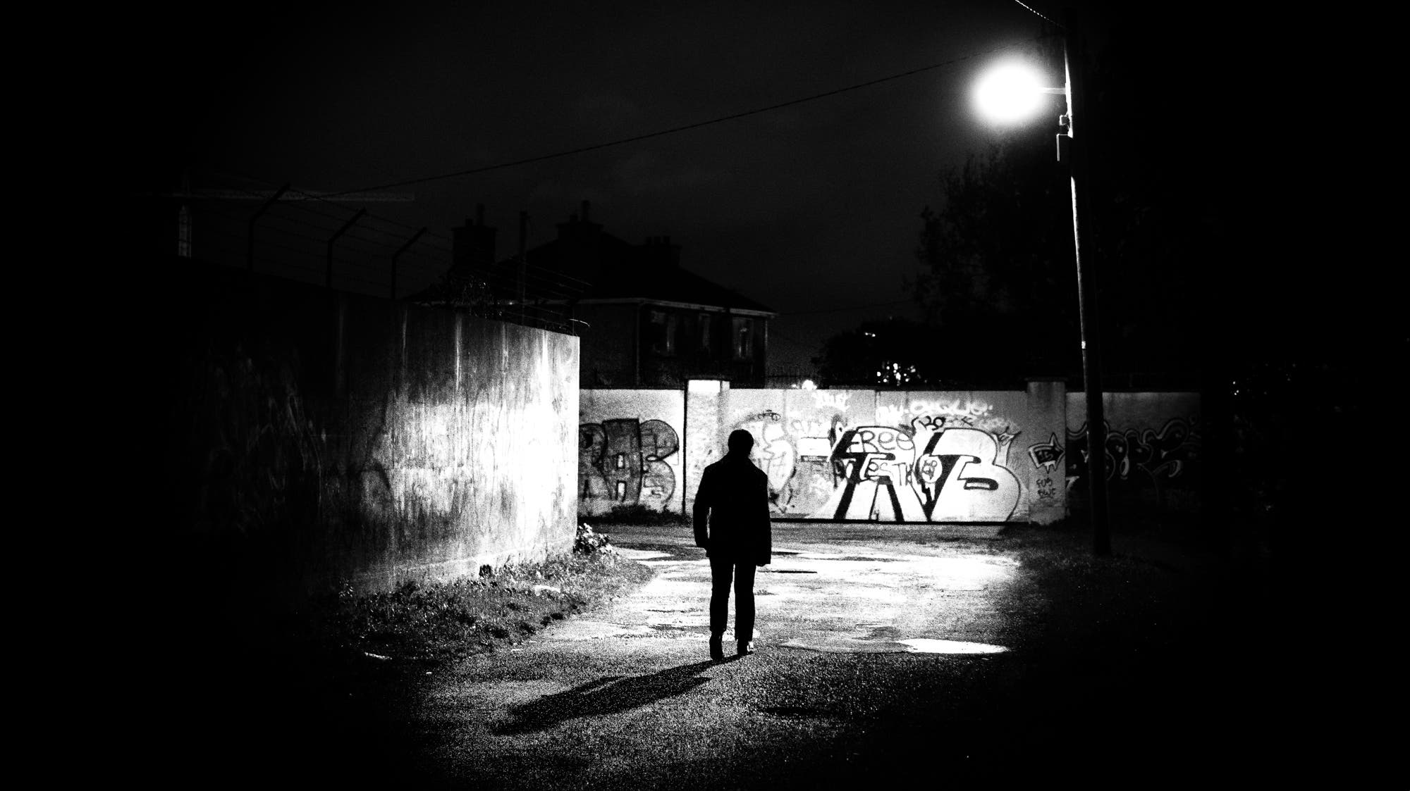 giuseppe milo 39 s faceless combines street photography and silhouettes. Black Bedroom Furniture Sets. Home Design Ideas