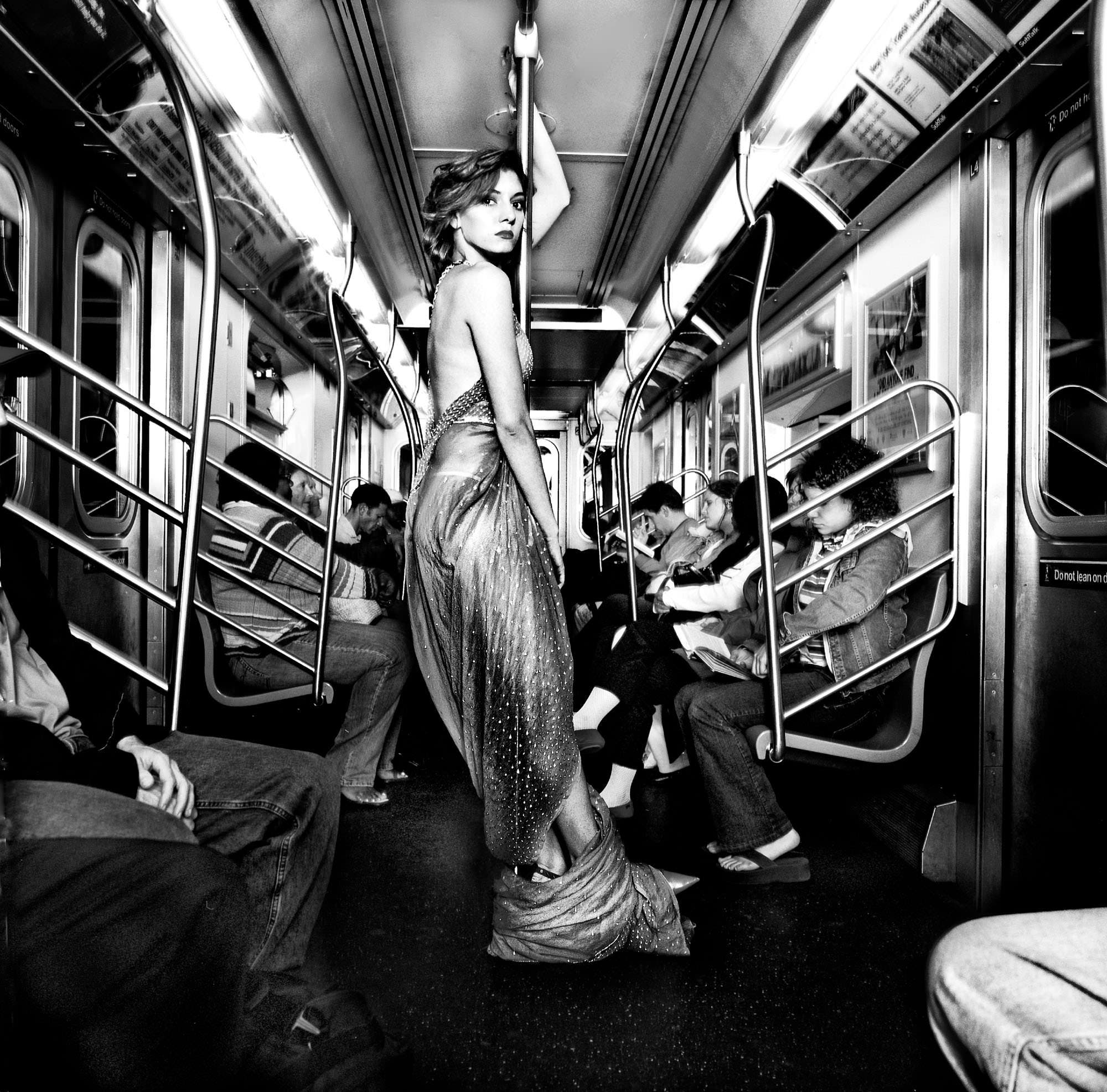 Subway Girl_Sami__035_b&w_poster_v2-Edit (1)